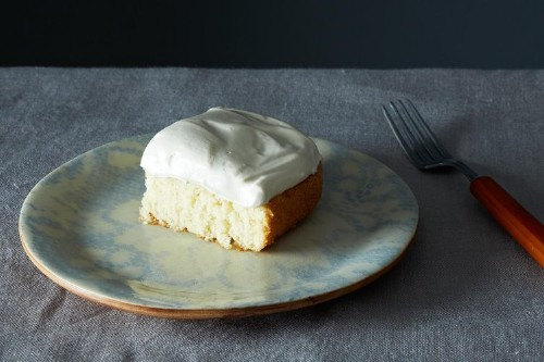 Grandma's White Cake with Maple SyrupFrosting