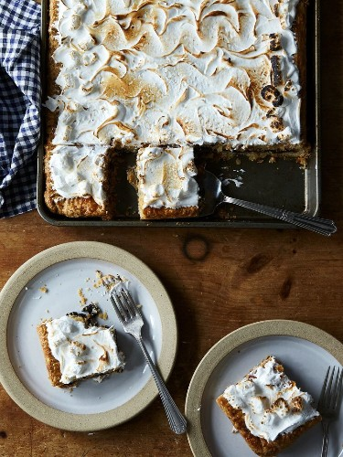 The Only Plan You Need for the Weekend is S'mores Slab Pie