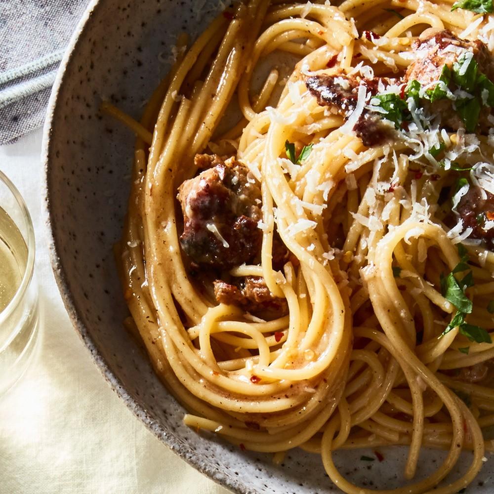 Best Pasta Recipe for Easy Spaghetti Aglio e Olio with Sausage (e Salsiccia)