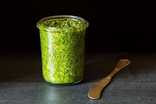 5 Links to Read Before Making Pesto