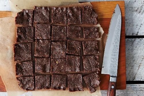 How to Make Raw Vegan Cookie Bars