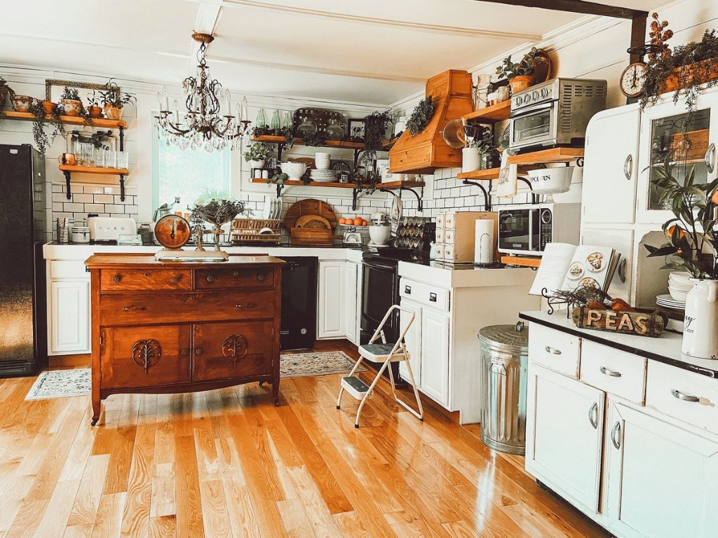 This Couple Built Their Dream Farmhouse Kitchen With Vintage Finds