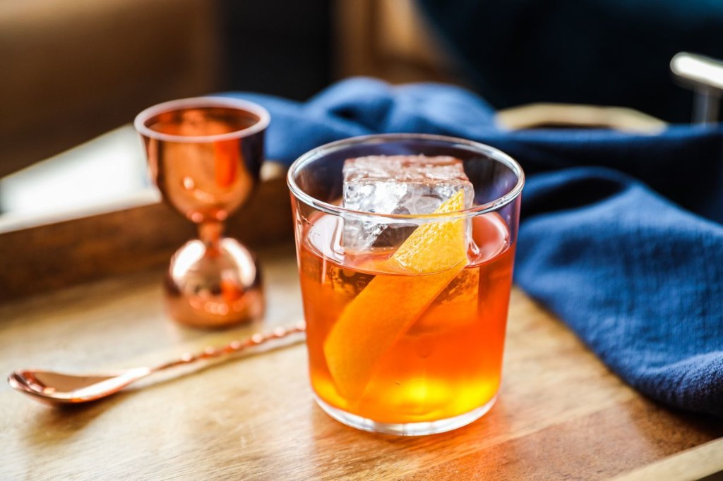 A Citrusy Bourbon Cocktail to Serve & Sip on Thanksgiving
