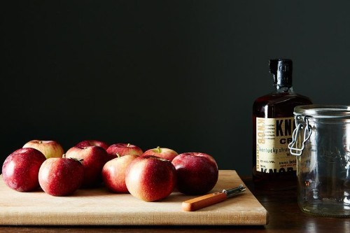 How to Make Apple-Infused Bourbon