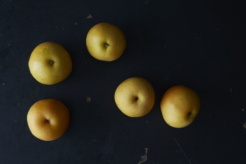 Everything You Need to Know About Asian Pears (& 10 Ways to Use Them)
