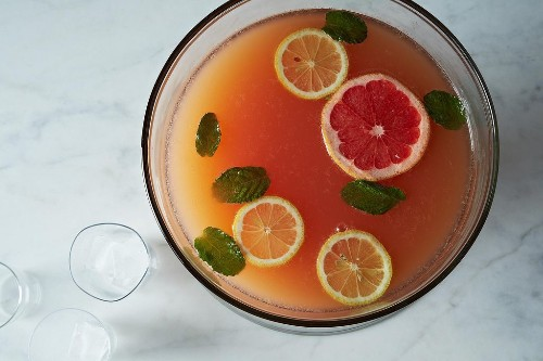 How to Make Cocktails for a Crowd