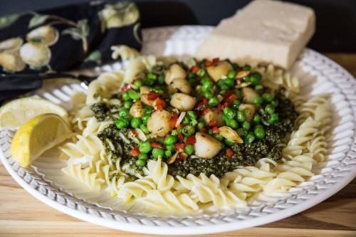 Bay Scallops and Peas With Pesto Sauce on RotiniPasta