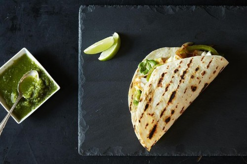 Dinner Tonight: Grilled Fish Tacos + GrilledSalsa