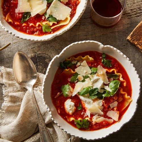 A 30-Minute One-Pot Lasagna Soup Recipe for Weeknights & Beyond