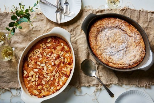 A Supremely Clever 4-Ingredient PeachCobbler