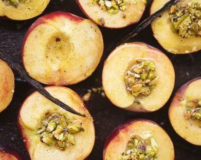Green Kitchen Stories' Vanilla Peaches with Pistachio Crumble