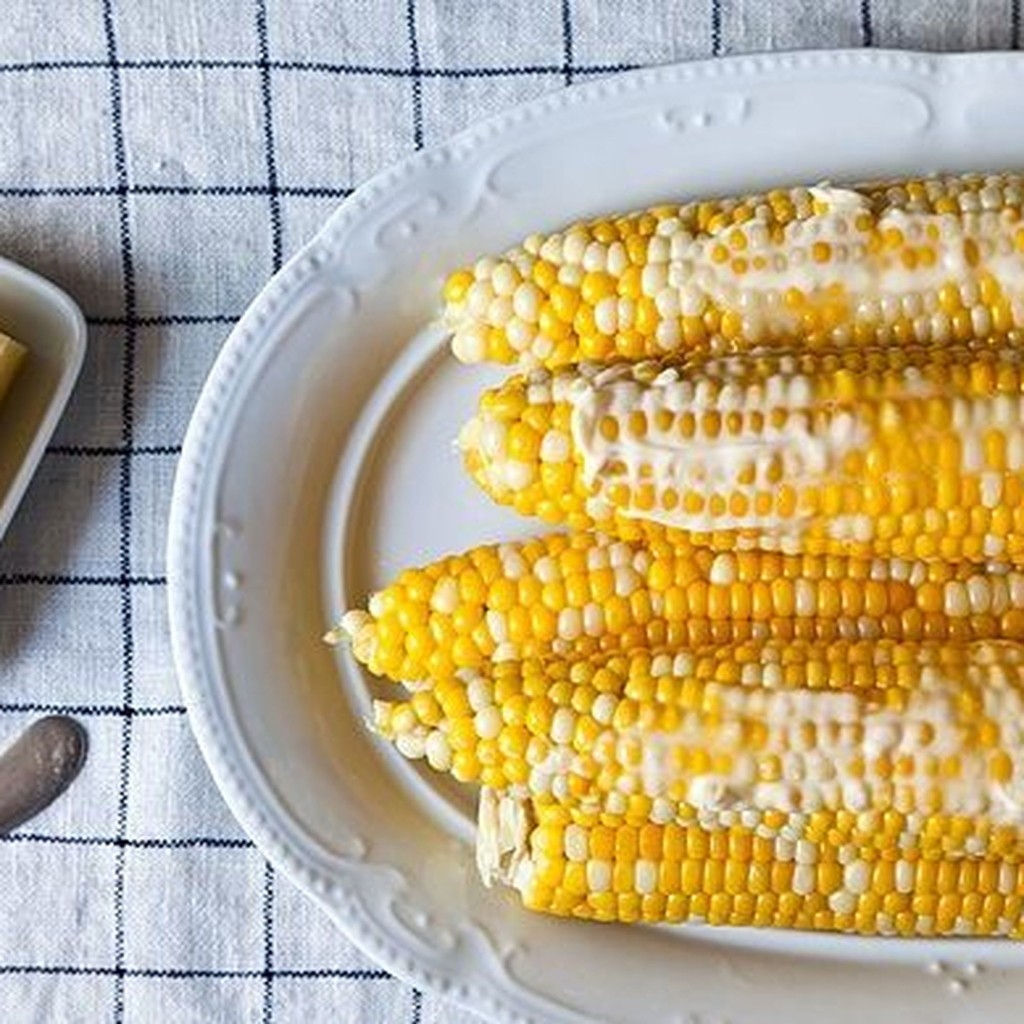 How to Microwave Corn on the Cob