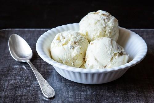 Oatmeal Ice Cream with ToastedWalnuts