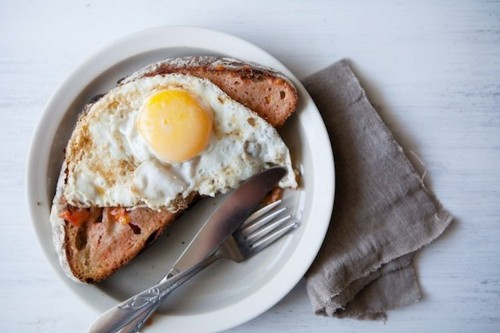 Pan con Tomate with FriedEggs