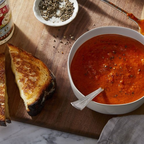 Easy, Creamy Tomato Soup Inspired by Tangy Peperonata