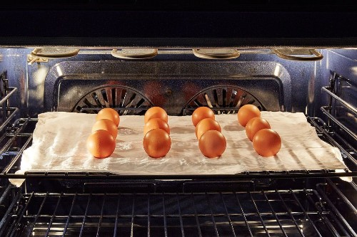 How to Hard Cook Lots of Eggs atOnce
