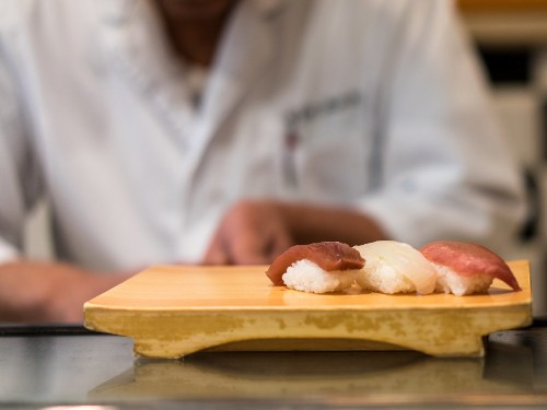 Japan Introduces Certification for Sushi Chefs