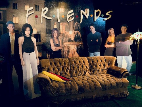 A 'Friends' Themed Bar Opens in Chicago