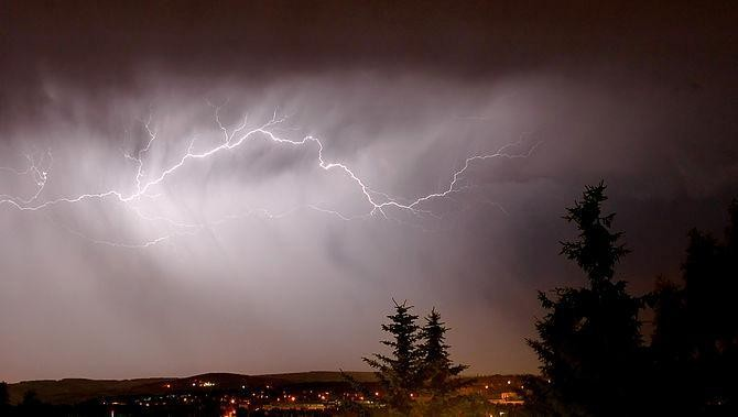 Do Solar Winds Whip Up Lightning Storms On Earth?
