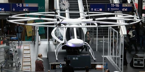 Deadly New York Helicopter Crash Should Serve As A Warning For The Hordes Working On Electric Air Taxis