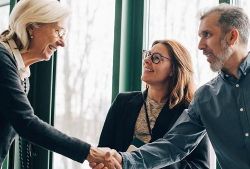 How To Leverage Competitors To Grow Your Business
