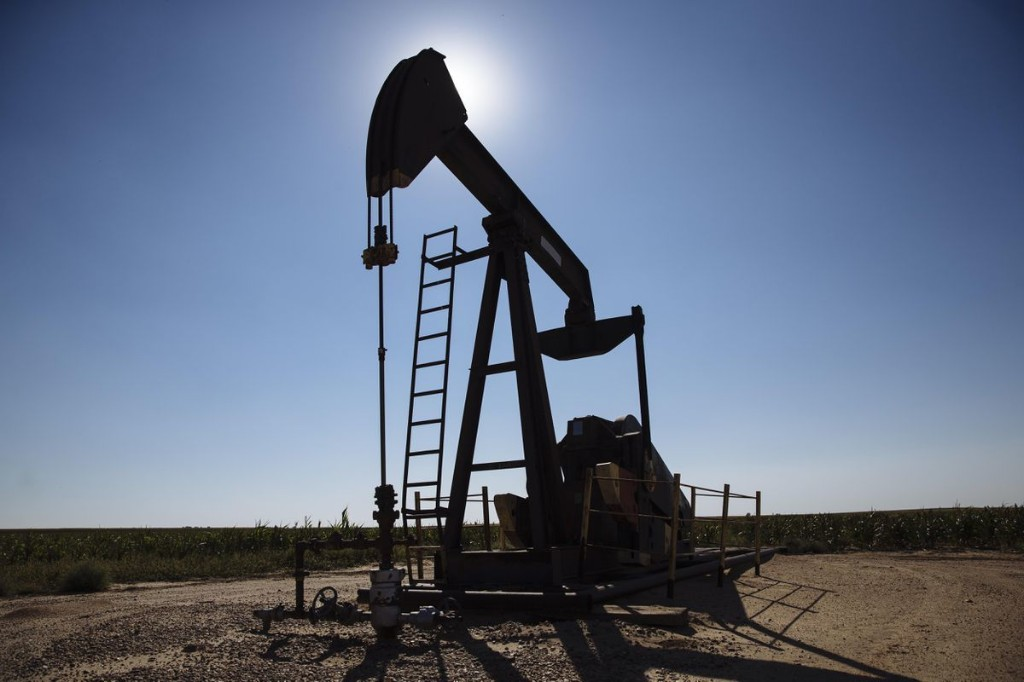 As Oil Bankruptcies Surge, Vulture Investors Start Their Long Feast