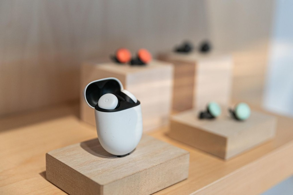Apple AirPods Can't Compete With Enhanced Google Pixel Buds