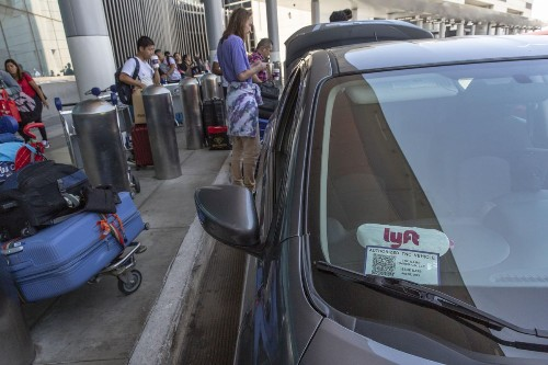 Los Angeles Bans Uber, Lyft And Taxi Curbside Pickup At LAX
