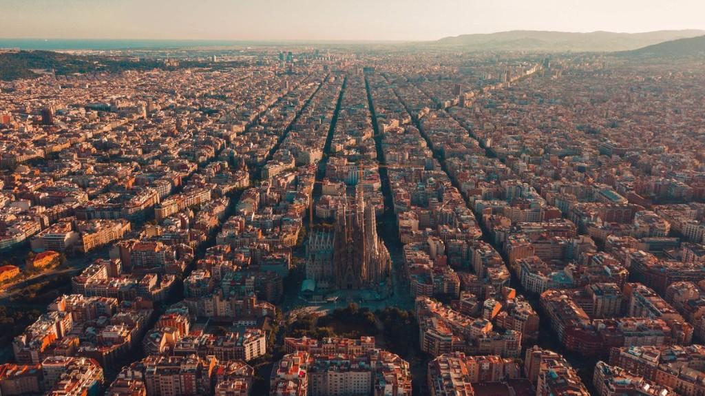 10 Tips For Spending Fall Outdoors In Barcelona
