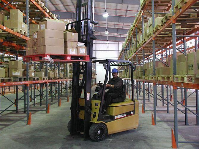 Intelligent Forklifts Reshape the Warehouse