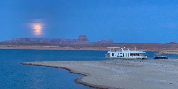 Houseboating On Lake Powell Is An Otherworldly Adventure And A Required Family Vacation