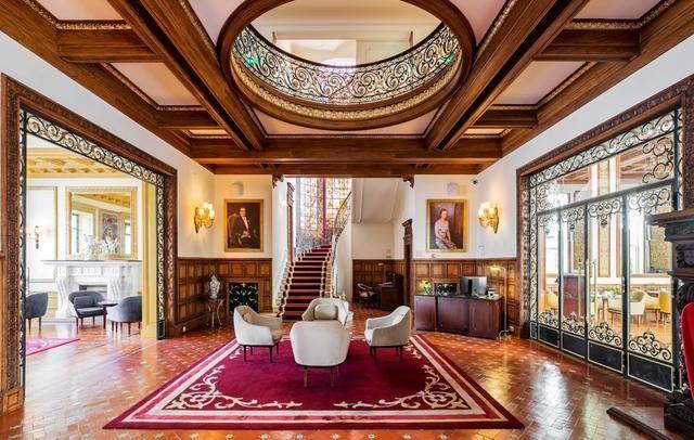 Porto's Most Luxurious Hotel