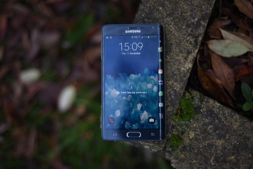 Samsung Galaxy Note Edge Review: The Future Of Smartphones Is Here