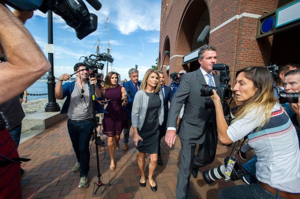 Lori Loughlin's Guilty Plea Came After Defense Attorneys Exposed Prosecutors
