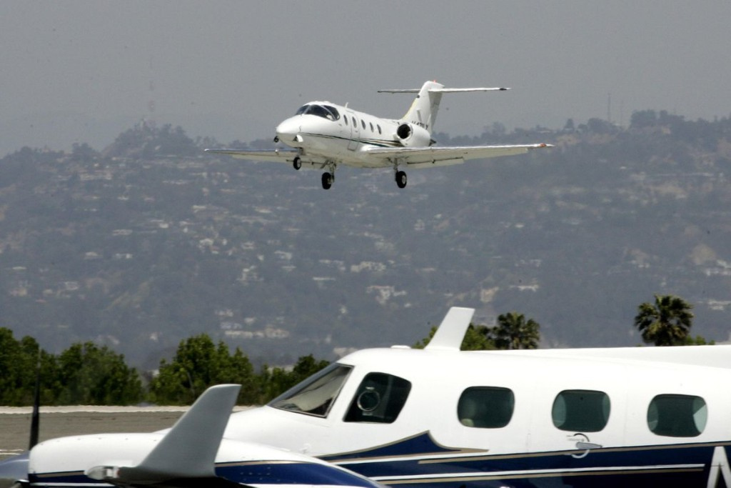 Before You Book Your First Private Jet Flight, Read This