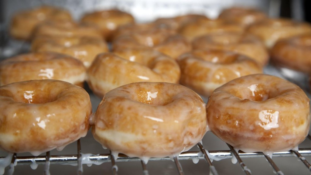 How To Make Doughnuts At Home, According To A Culinary School Instructor