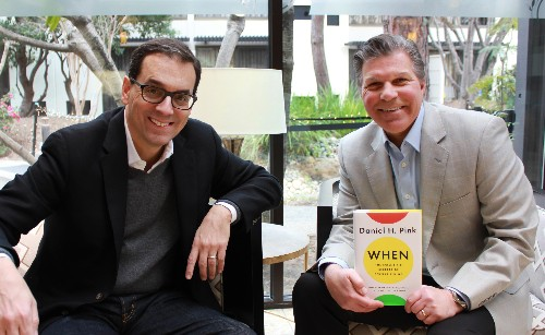 Dan Pink Reveals The Perfect Time For Meetings, Sales Pitches, And Creative Tasks