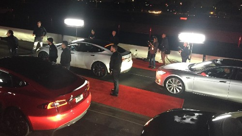 With Earnings On Tap, Is It Time For Tesla To Franchise Dealers?