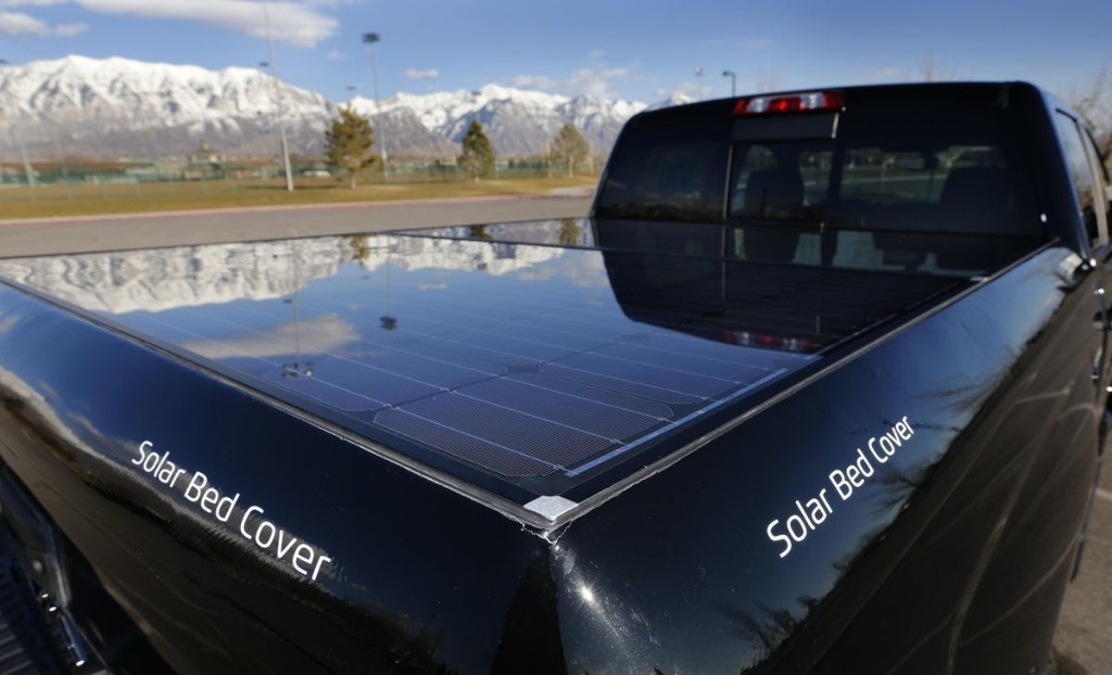 Pickup Drivers Get Free Ride From The Sun
