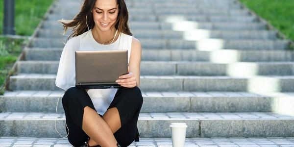 3 Benefits Of Freelancing And The Pitfalls To Look Out For
