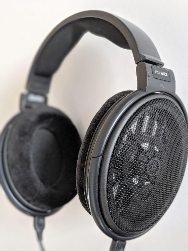 This Modern Adaptation of A Popular Headphone Delivers