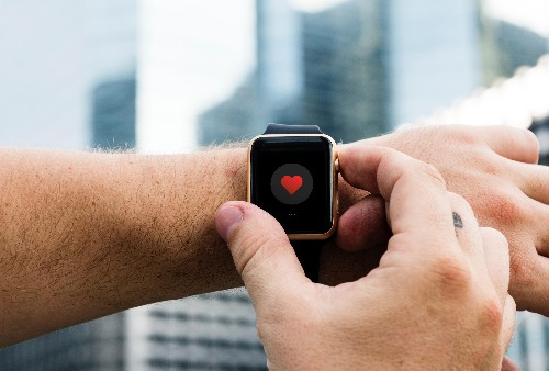With The AW4, Apple Started The Revolution In Wearable Healthcare