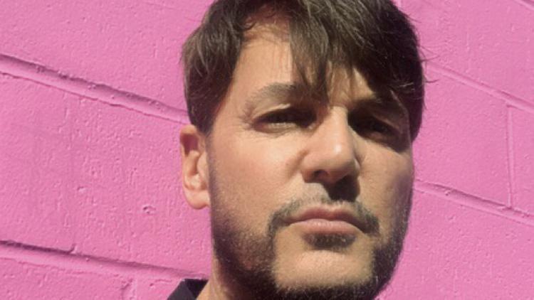 Celebrity Makeup Artist Steven Aturo Talks Beauty Inspiration And Shares Look Created For Jada Pinkett-Smith