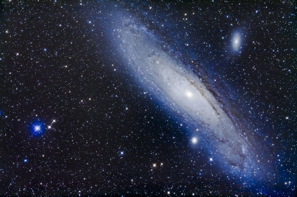 How You Can Look 2.5 Million Years Back In Time By Finding The Andromeda Galaxy With Your Naked Eyes