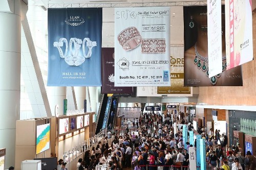 September Hong Kong Jewelry Fair Adjusts Under Stressful Conditions