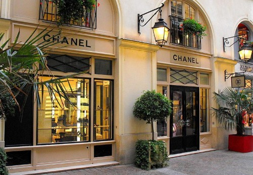 Luxury Retailers Sometimes Lose Money To Gain Cachet At Flagships