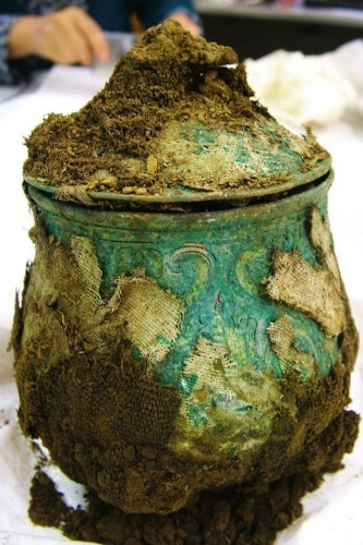 1,000 Year Old Viking Gold Found By Treasure Hunter