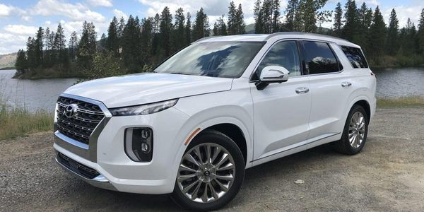 2020 Hyundai Palisade Wants To Mother You, And Does