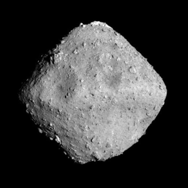 Japanese Spacecraft Reaches Diamond Asteroid After 3.5 Years