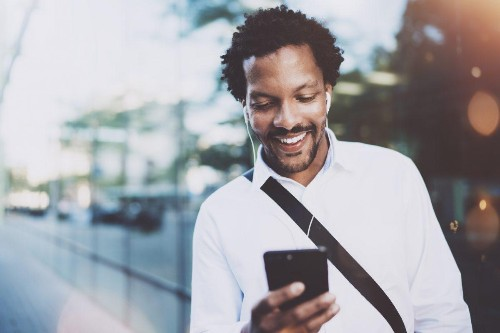 10 Business Podcasts Every Entrepreneur Should Be Tuning Into
